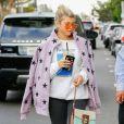 Exclusif - Sofia Richie se balade avec des amis dans les rues de West Hollywood, le 19 novembre 2016