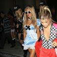 Sofia Richie, Paris Hilton arrivent à la 6ème soirée d'Halloween du magazine Treats! à Los Angeles, le 29 octobre 2016