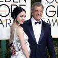 Mel Gibson et sa compagne Rosalind Ross enceinte - La 74ème cérémonie annuelle des Golden Globe Awards à Beverly Hills, le 8 janvier 2017.