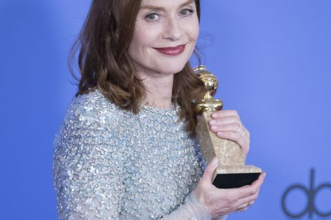 Jean Dujardin, fou de joie, félicite Isabelle Huppert pour son Golden Globe