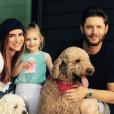 """""""Jensen Ackles, sa femme Danneel Harris et leur fille Justice Jay. Photo publiée sur sa page Instagram à l'été 2016"""""""