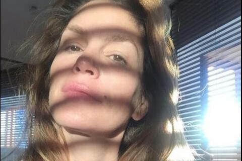 Cindy Crawford : Quinqua lumineuse, sans maquillage ni retouche
