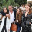 Christophe Dechavanne avec sa fille Ninon et ses proches - Ouverture la Fête des Tuileries du samedi 28 juin au dimanche 24 août 2014, qui fête cette année 2 anniversaires : les 50 ans de cinéma de Claude Lelouch et les 30 ans de la Fête des Tuileries. Paris le 27 juin 2014