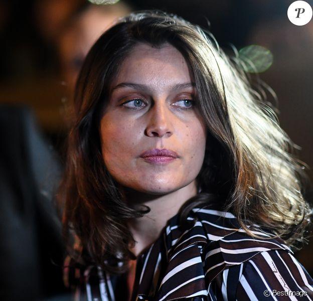 """Laetitia Casta arrivant au défilé de mode """"Nina Ricci"""", collection prêt-à-porter Printemps-Eté 2017 à Paris, le 1er octobre 2016"""