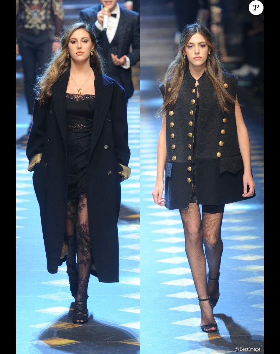 Les soeurs Sophia et Sistine Stallone, filles de Sylvester Stallone, défilent pour Dolce & Gabbana à la Fashion Week de Milan. Le 14 janvier 2017.