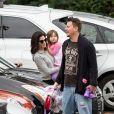 """Exclusif - Channing Tatum et sa femme Jenna Dewan se promènent avec leur fille Everly à Los Angeles, le 10 janvier 2017. Channing porte un t-shirt """"Joe Dirt, Beautiful loser"""". - Merci de flouter le visage des enfants avant publication -10/01/2017 - Los Angeles"""