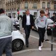 Bella Hadid et son petit frère Anwar Hadid vont déjeuner au restaurant L'Avenue à Paris, le 28 octobre 2016.