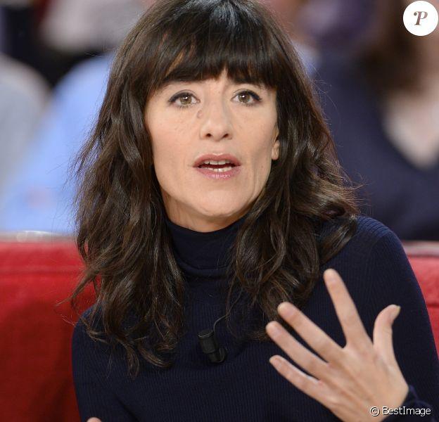 """Romane Bohringer - Enregistrement de l'émission """"Vivement Dimanche"""" à Paris le 25 Novembre 2015"""