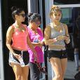 Vanessa Hudgens a la sortie de son cours de gym avec sa mere Gina et sa soeur Stella a Studio City, le 1er Octobre 2012