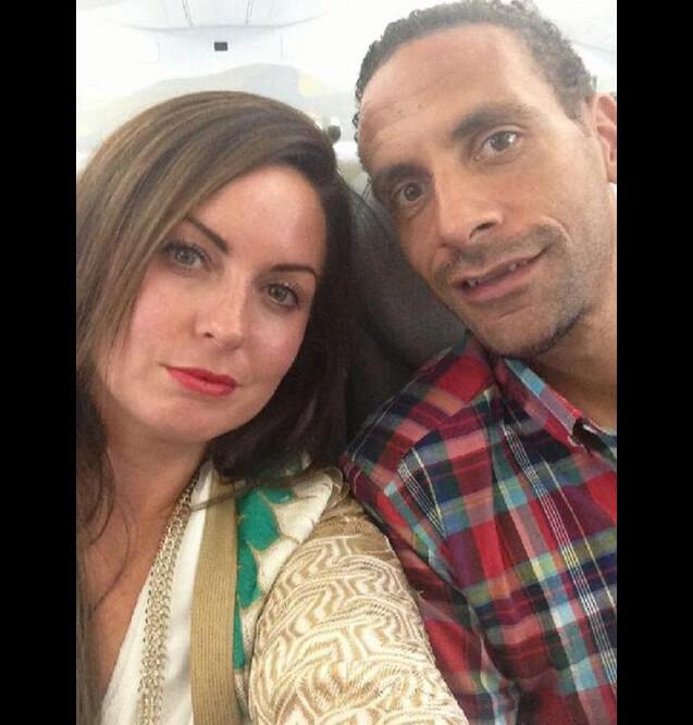 Rio Ferdinand et sa femme Rebecca, photo Twitter. Rebecca est morte des suites d'un cancer foudroyant en mai 2015 ; deux ans après, Rio Ferdinand évoquera au printemps 2017 son travail de deuil dans un documentaire de BBC One.