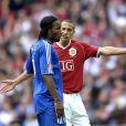 Rio Ferdinand face à Didier Drogba en mai 2007.