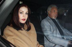 Tom Jones en couple avec l'ex d'Elvis Presley, un an après la mort de sa femme