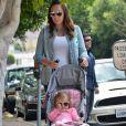 Tamara Ecclestone fait du shopping avec sa fille Sophia Rutland, sa soeur Petra et sa fille Lavinia Stunt dans les rues de West Hollywood, le 18 mai 2016