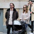 Jay Rutland avec sa femme Tamara Ecclestone et leur fille Sophia se promènent à New York le 12 décembre 2015.