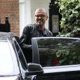 George Michael a la sortie de son domicile a Londres le 1er octobre 2012.