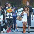 Exclusif - Chris Brown, Karrueche Tran, Wale - Chris Brown, sa compagne et leurs amis quittent l'hôtel SLS à Beverly Hills. Le 20 juin 2014.