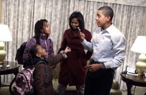 Obama entre en action et prodigue ses premiers conseils... à ses filles