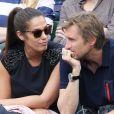 Elisa Tovati et son mari Sébastien Saussez- People dans les tribunes des Internationaux de France de tennis de Roland Garros à Paris. Le 25 mai 2016.