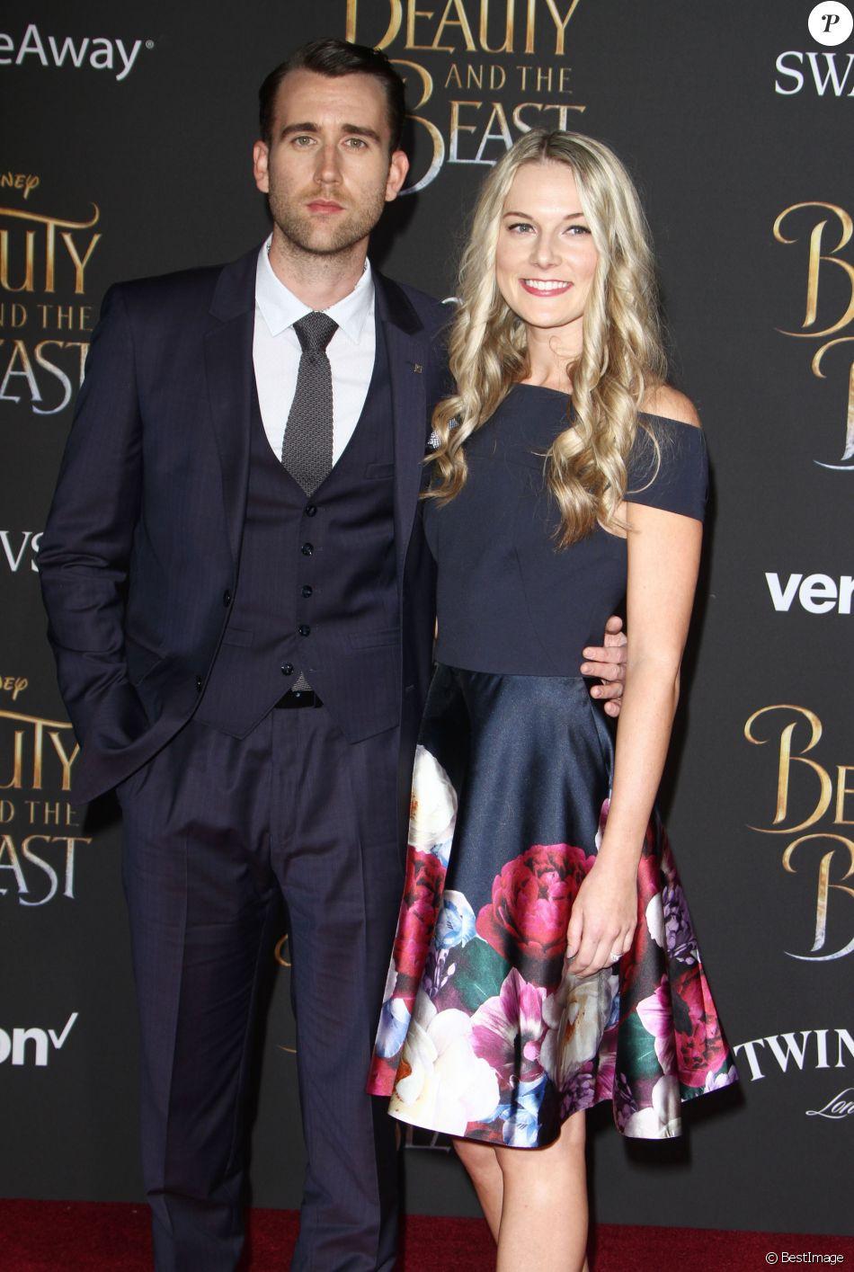 Matthew Lewis et sa fiancée Angela Jones - Avant-première de La Belle et la Bête au théâtre El Capitan à Hollywood, le 2 mars 2017