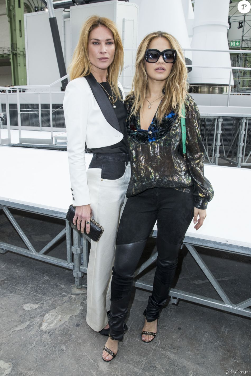 Erin wasson et rita ora d fil de mode chanel collection pr t porter automne hiver 2017 2018 Fashion style and mode facebook