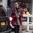 Malia Obama se promène et tente de se cacher des photographes à New York, le 08 février 2017. © CPA/Bestimage