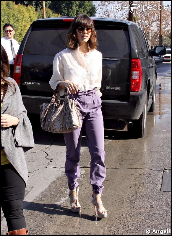 Jessica Alba, la couleur lui va si bien !