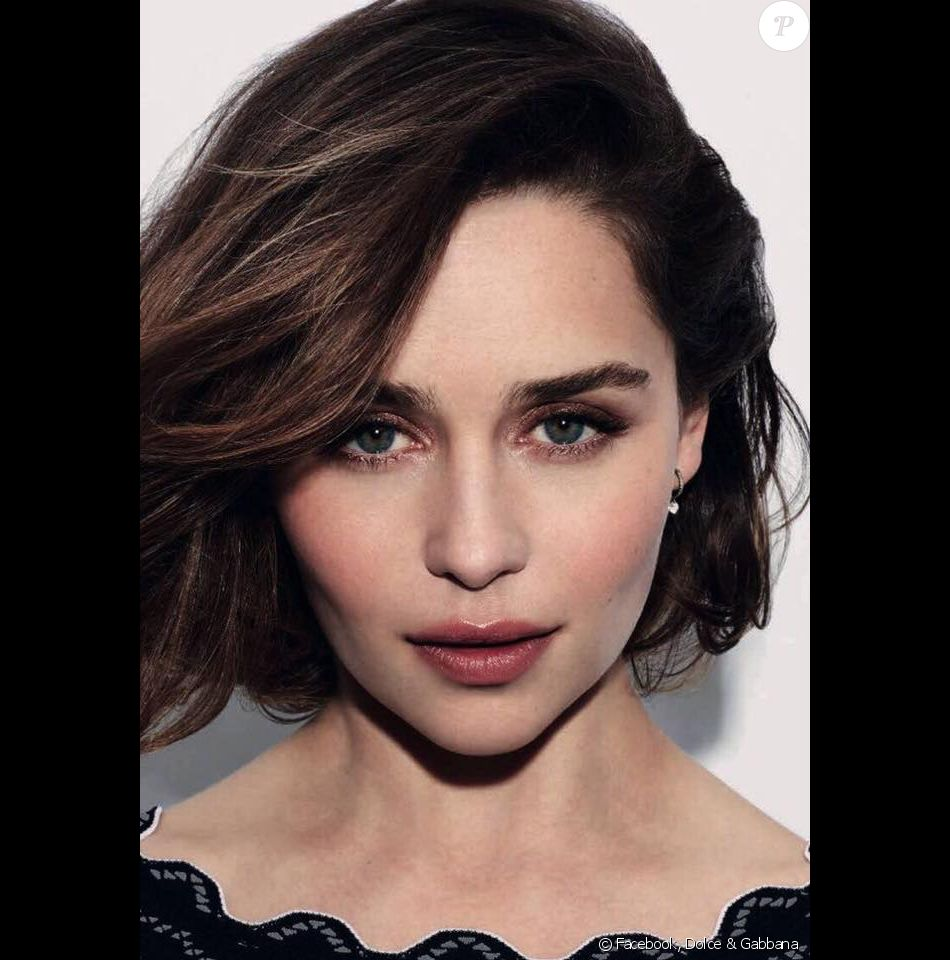 Emilia Clarke est le visage du parfum Eau de Toilette The One de Dolce & Gabbana, disponible en septembre.
