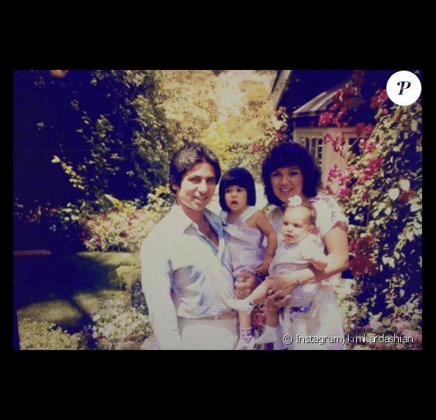 Kim Kardashian a partagé une photo de famille souvenir sur sa page Instagram le 13 mars 2017