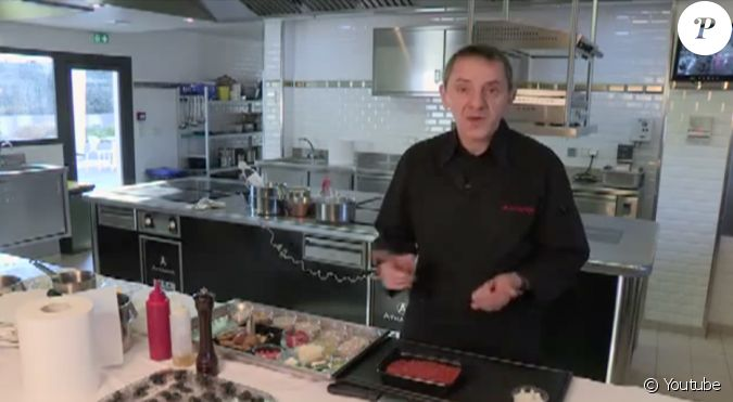 michel del burgo pr sente sa recette de bolognaise calamars basilic vid o publi e sur youtube. Black Bedroom Furniture Sets. Home Design Ideas