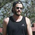 Exclusif - Miley Cyrus et son fiancé Liam Hemsworth sont allés se balader en amoureux sur les hauteurs de Los Angeles, le 16 mars 2017