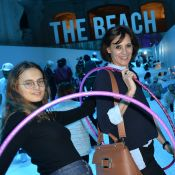 Inès de la Fressange : Parisienne à la plage avec ses filles Violette et Nine