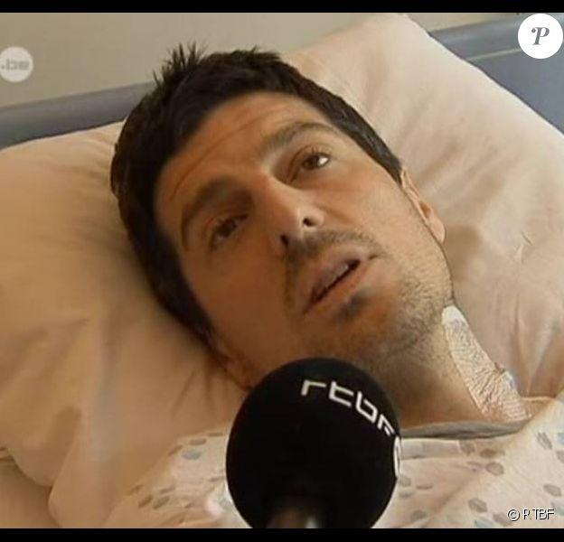Sébastien Bellin, ancien joueur de l'équipe nationale belge de basket-ball, blessé dans les attentats du 22 mars 2016 à l'aéroport de Bruxelles, livre son témoignage à la RTBF. Mars 2016.