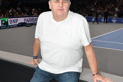 """Pierre Ménès émouvant : Ce jour où son fils l'a """"traîné"""" jusqu'aux toilettes"""