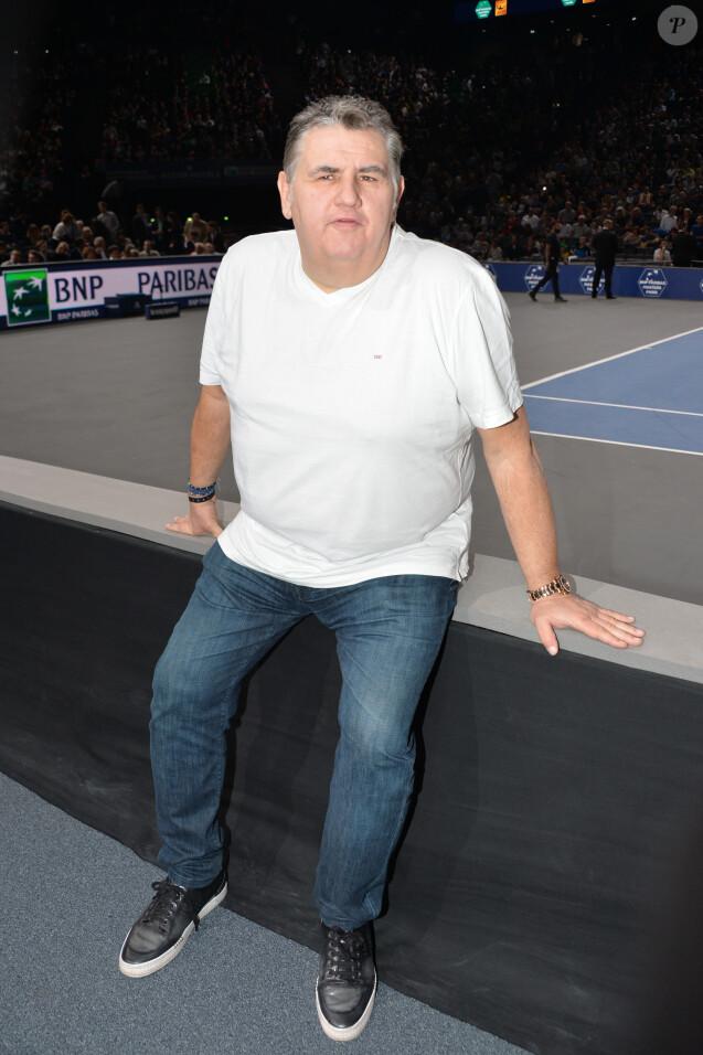 Pierre Ménès - People lors de la finale du BNP Paribas masters entre Novak Djokovic et Andy Murray à l'Accor Hotels Arena à Paris le 8 novembre 2015. © Veeren / Bestimage