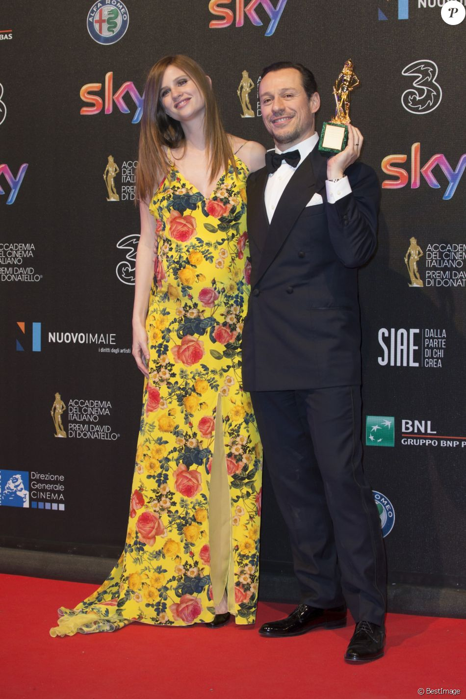 Bianca Vitali (enceinte) et son mari Stefano Accorsi à la 62e cérémonie des David di Donatello à Rome en Italie, le 27 mars 2017