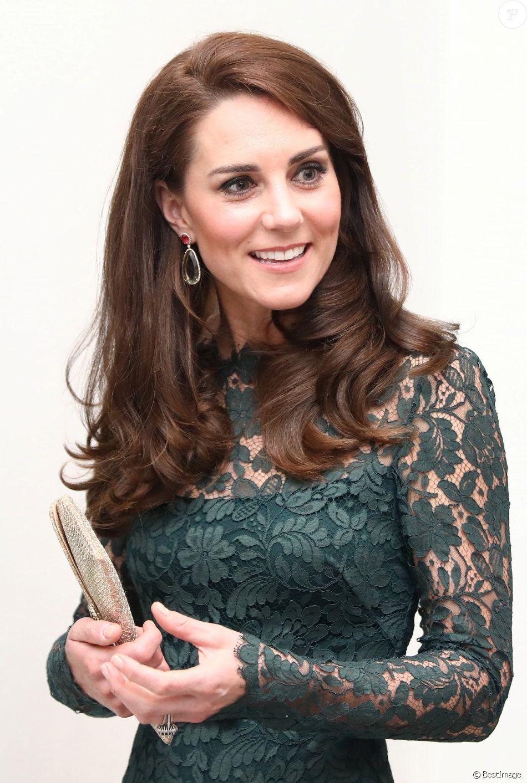 Kate Middleton, duchesse de Cambridge, lors de la soirée de bienfaisance annuelle de la National Portrait Gallery, à Londres le 28 mars 2017.