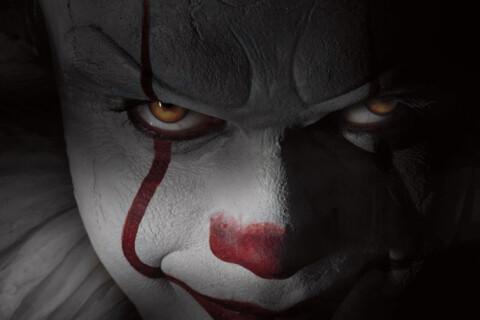 """""""Ça"""" : Le film d'horreur terrorise le public, les clowns de métier en colère !"""