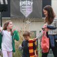 Exclusif - Jennifer Garner emmène ses enfants Seraphina, Samuel et Violet Affleck à leur cours de karaté à Los Angeles, le 5 mars 2017
