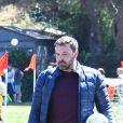 Ben Affleck emmène sa fille Seraphina jouer au football dans un parc à Los Angeles, le 1er avril 2017