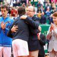 Le prince Albert II de Monaco a félicité Rafael Nadal pour sa victoire lors du Monte Carlo Rolex Masters 2017 sur le court Rainier III du Monte Carlo Country Club à Roquebrune Cap Martin le 23 avril 2017. © Olivier Huitel/Pool Monaco/Bestimage
