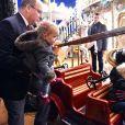 Semi-exclusif - Le prince Albert II de Monaco, son épouse la princesse Charlene et leurs deux enfants Jacques et Gabriella pendant l'inauguration du Village de Noel à Monaco le 3 décembre 2016. © Bruno Bebert/Pool restreint Monaco/Bestimage