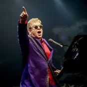 """Elton John """"gravement malade"""" : L'icône a été hospitalisée d'urgence..."""