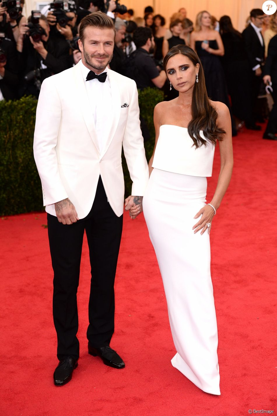david beckham et sa femme victoria beckham soir e du met ball costume institute gala 2014. Black Bedroom Furniture Sets. Home Design Ideas