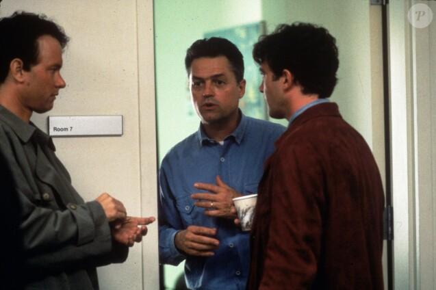 """Archives - Tom Hanks, Jonathan Demme et Antonio Banderas sur le tournage du film """"Philadelphia"""" en 1993 © SNAP / Zuma Press / Bestimage"""