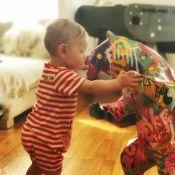 Ingrid Chauvin : Son fils Tom fait ses premiers pas...