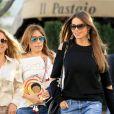 Exclusif - Sofia Vergara est allée déjeuner avec des amis à Beverly Hills, le 19 avril 2017