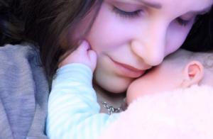 Julia Paredes (Les Anges) : Bel hommage à sa fille, sa raison de vivre