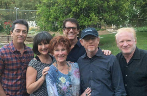 Le casting d'Happy Days réuni pour Erin Moran, même le controversé Scott Baio...