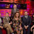 Graham Norton pose Charlie Hunnam, Guy Ritchie, Billie Piper, Jason Manford et Imelda May au Graham Norton Show, le 11 mai 2017 à Londres