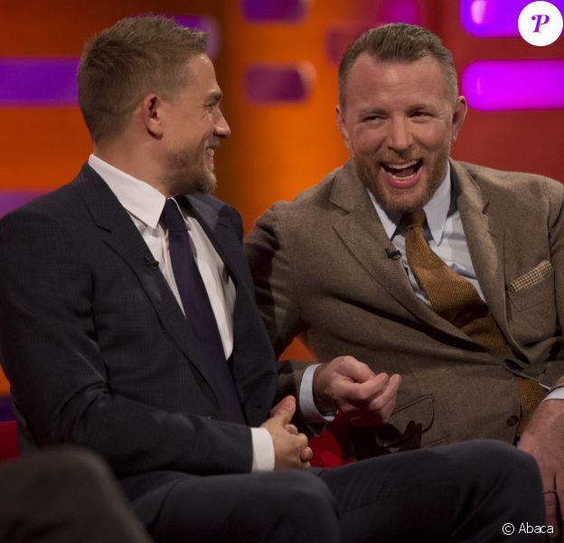 Guy Ritchie et Charlie Hunnam au Graham Norton Show, le 11 mai 2017 à Londres